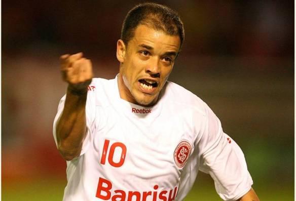 Candidato a craque do ano no futebol brasileiro.