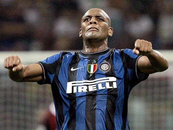 Eu queria uma do Sneijder, mas não achei com a camisa da Inter!! fonte: globoesporte.com