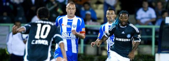 Marquinhos observa Cleiton Xavier, enquanto a galera observava Marquinhos passear no Jardim Suspenso.